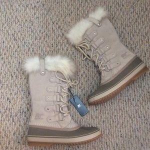 🆕 SOREL x Anthropologie snow beige cream boots